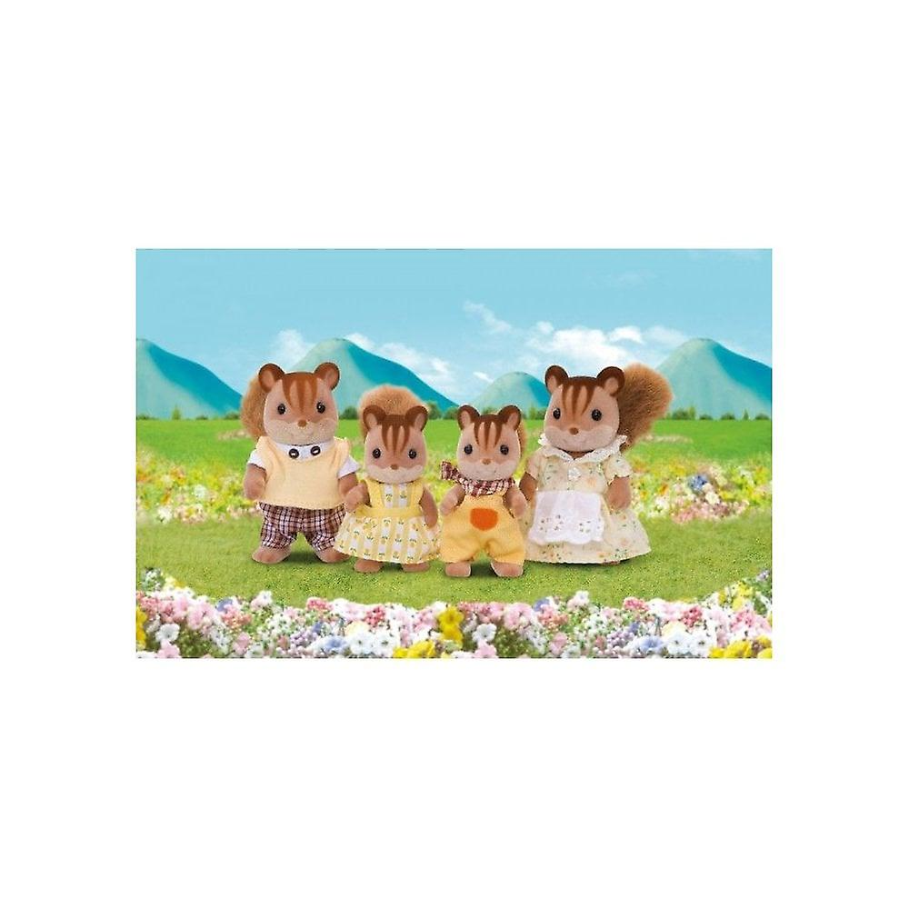Sylvanian Families  4172  Walnut Squirrel Family