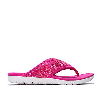 Women's Fit Flop Artknit Toe Thong Sandals in Pink