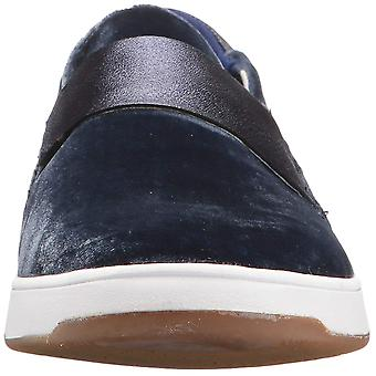 Tommy Bahama Women's Cove Floral (Relaxology) Fashion Sneaker