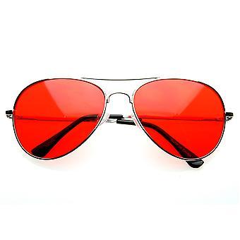 五颜六色的优质银色金属飞行员眼镜与彩色镜头太阳镜