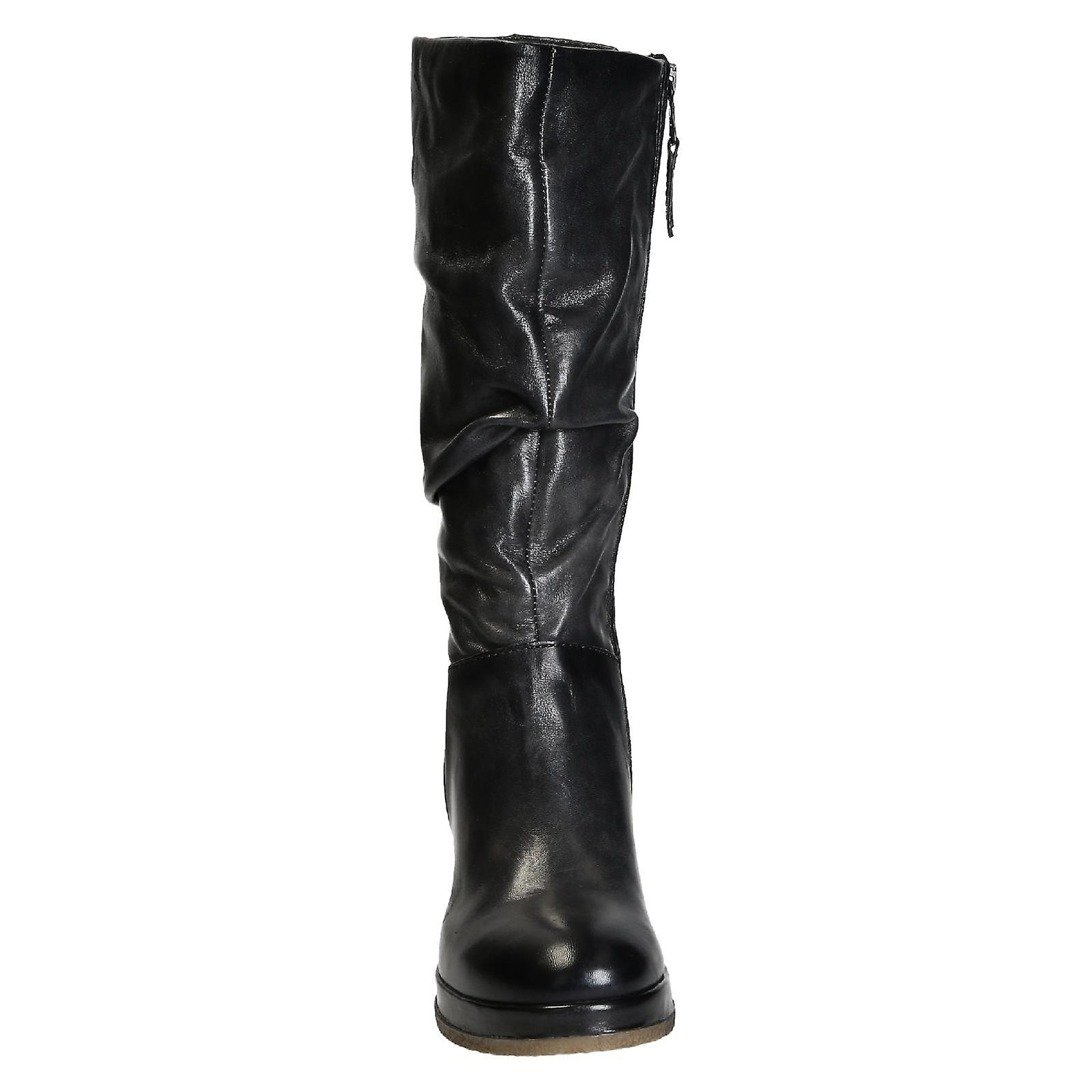 Handmade women's boots in dark grey shiny calf leather