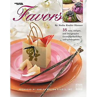 Favors by Kooler Design Studio - 9781574866933 Book