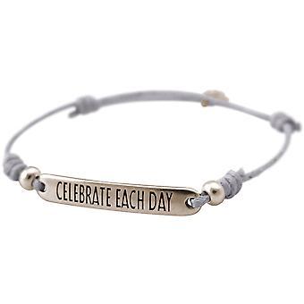 Gemshine kvinders armbånd gravering fejre hver dag sølv lysegrå