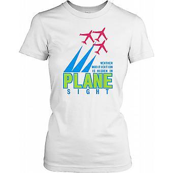 Vær endring er skjult i flyet sikte - konspirasjon damer T skjorte