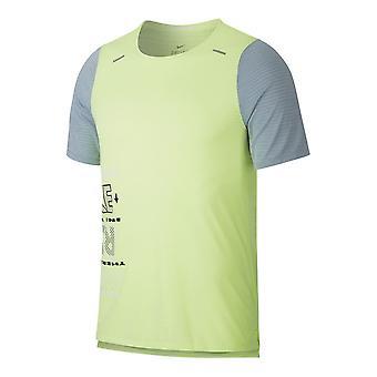 Nike M Wild Run Rise 365 Top SS CK0677358 corriendo todo el año camiseta masculina