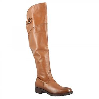 Leonardo Shoes Women's handmade round toe knee high boots in tan calf leather with side zip