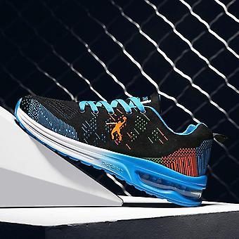 Mężczyźni Biegają buty sportowe na świeżym powietrzu