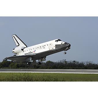 Спейс шаттл Дискавери земли на ВПП 33 на Трансфер в/из посадки объекте космического центра Кеннеди в штате Флорида печати