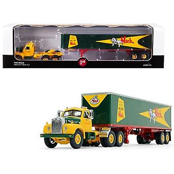 Mack B-61 Day Cab avec 40 apos; Vintage Trailer Built Like a Mack Yellow and Green 1/64 Diecast Model by First Gear