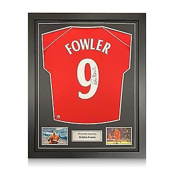 ロビー・ファウラーはリバプール2001シャツにサインしました。番号 9.標準フレーム
