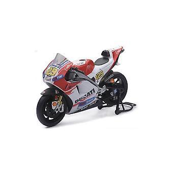 Ducati Desmosedici Number 29 (Andrea Iannone - Moto GP 2015) Diecast Model Motorcycle