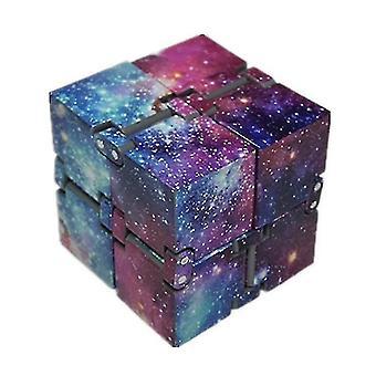 Nieskończona ścieśnia czajka w palcach, dekompresja Rubika's Cube (Fioletowe Niebo)