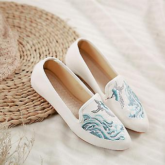 Cyclamen Chinese-style Crane Wave Canvas Embroidered Cloth Shoes