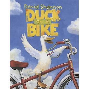 Duck on a Bike W/CD by David Shannon - 9781627659833 Book