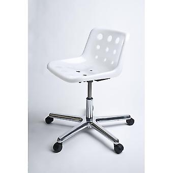 Loft Robin Day 5 Star White Plastic Polo Chair