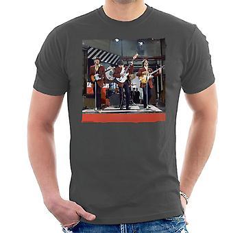 TV Times The Kinks 60s Pop Group LiveMen's T-Shirt