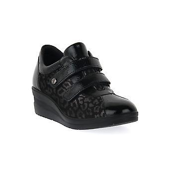 Enval soft rosy black shoes