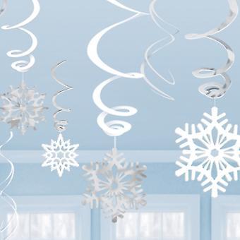 Lumihiutale pyörteitä