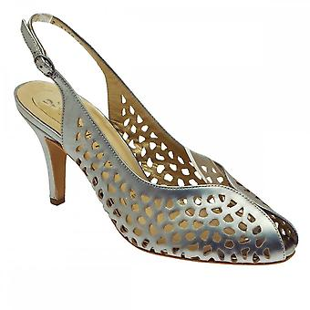 Peter Kaiser Selena Silber Slingback Peeptoe Ausschnitt Detail Sandale