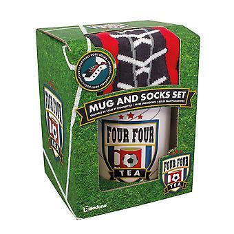 Vier vier Tee-Becher & Socken Geschenk-Set Fußball und Sport Größe 7-11