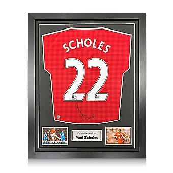 Paul Scholes värvade Manchester United-tröjan 2012-13. Inramade