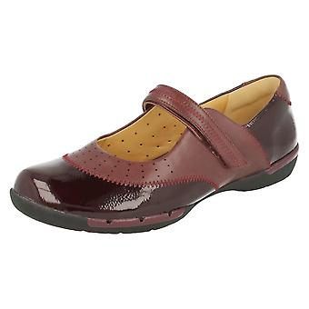 Ladies Clarks ostrukturerade Smart skor FN Hassel