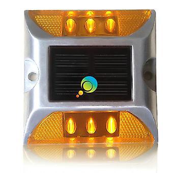 導かれたアルミニウム反射器の太陽道路マーカー、交通安全スタッド