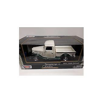 MotorMax American Classics - 1937 Ford Pickup White & Green   1:24