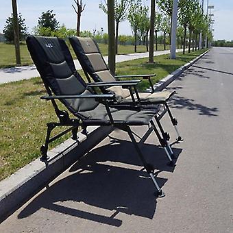Plage normale de livraison avec des chaises pliantes portatives de sac