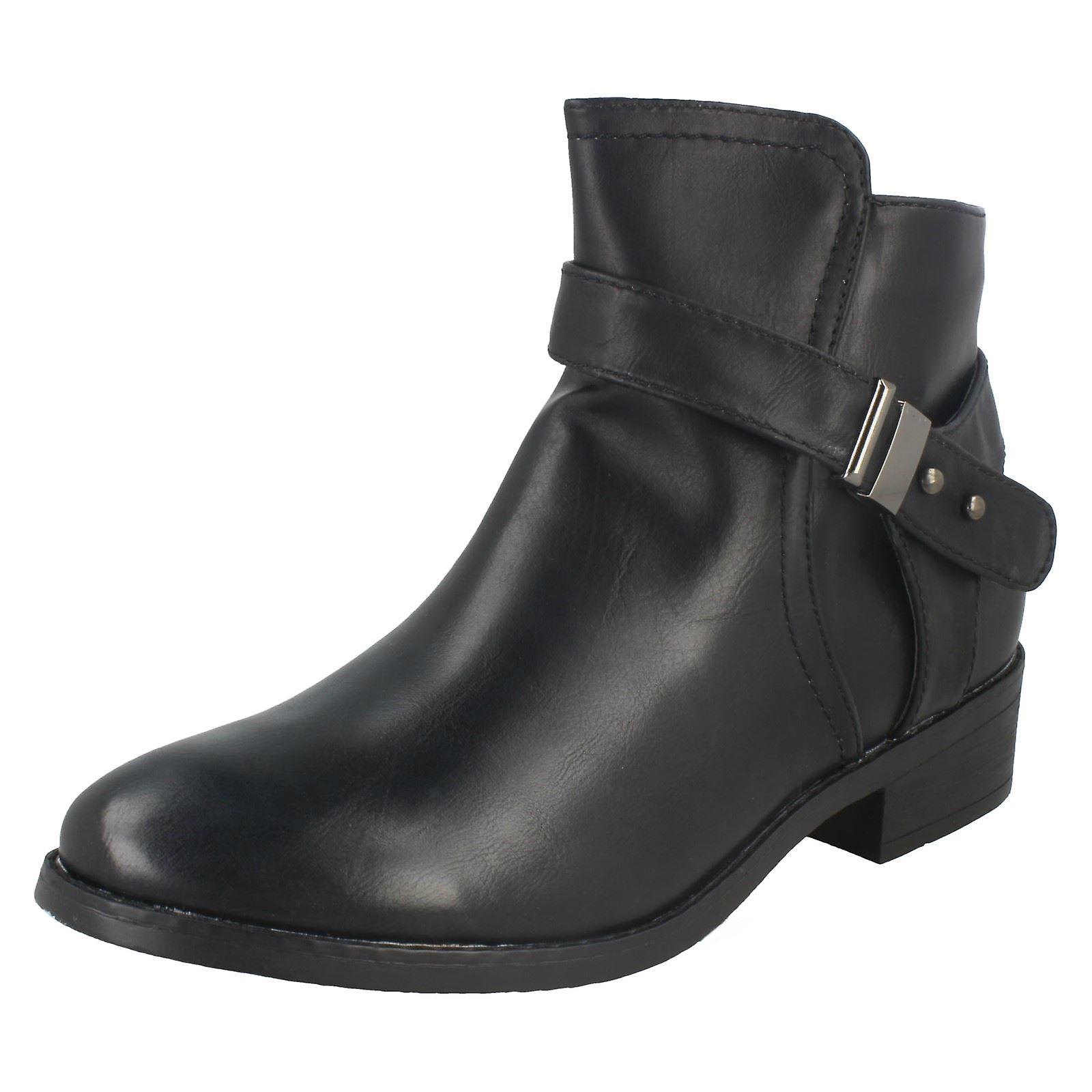 Ladies Spot On Low Heeled Ankle Boots F50328 9QRO4