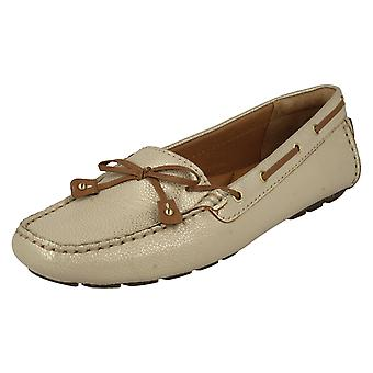 Ladies Clarks båt sko med bue Trim Dunbar Racer