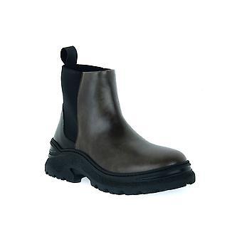 Frau avatar military shoes