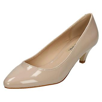 Ladies Anne Michelle Mid Heel Patent Pointed Court Shoes F9964