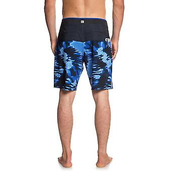 Quiksilver Highline Blackout 19 Mid Length Boardshorts in Electric Royal