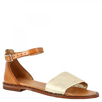 Leonardo Shoes Women&s ręcznie robione niskie sandały z tan skóry cielęcej ze złotą opaską