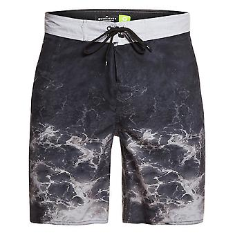 Quiksilver Everyday Rager 18 Mid Length Boardshorts in Black