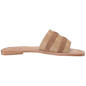 Bettye Muller Women's Karson Flat Sandal