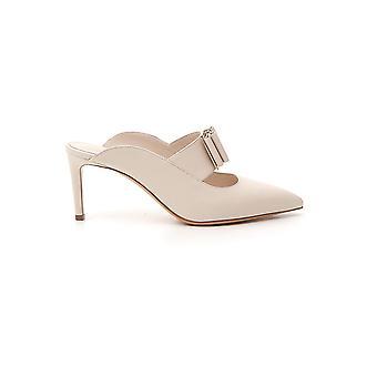 Salvatore Ferragamo 01q736725000 Women's Nude Leather Slippers