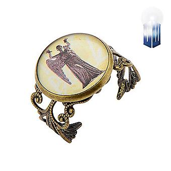 Doctor Who pleurant Angel Ring