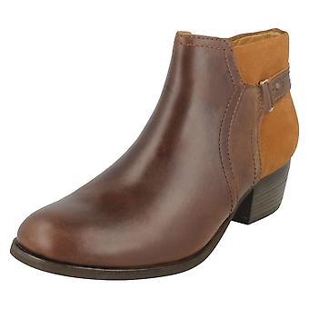 女士 克拉克脚踝靴子梅珠尔丁香