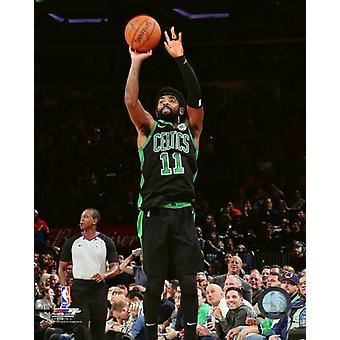 Kyrie Irving 2018-19 toiminta Photo Print