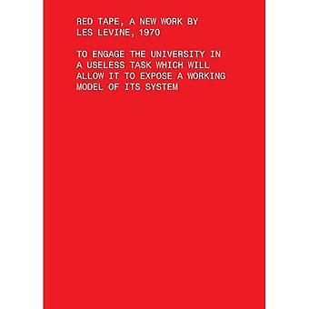 Bureaucratie, een nieuw werk van Les Levine, 1970: de Universiteit deelnemen aan een nutteloos taak waarmee het te bloot...