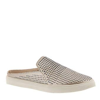 Masseys Womens Camden Fabric Low Top Slip On Fashion Sneakers