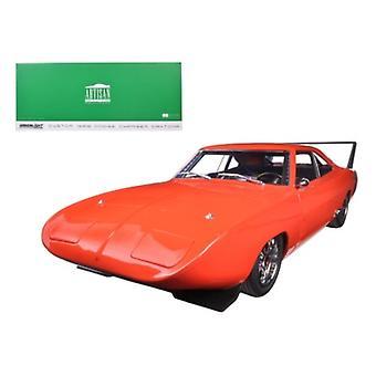 1969 Dodge Charger Daytona Custom Red/Orange with Black Rear Wing 1/18 Diecast Model Car par Greenlight