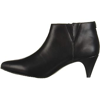 Kenneth Cole New York Frauen's Kick Shootie Ankle Boot