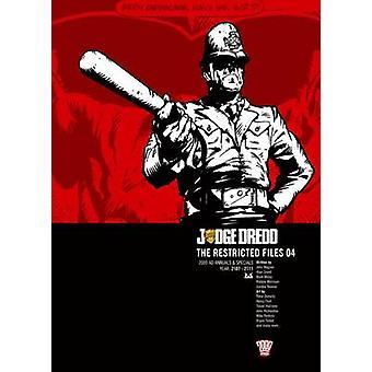 Domaren Dredd-restricted files-v. 4 av John Wagner-9781781080467 bo