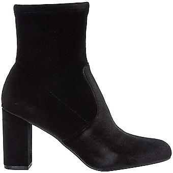 ستيف مادن المرأة & s كتلة الكعب أحذية الكاحل في المخمل الأسود مع الرمز البريدي الجانب