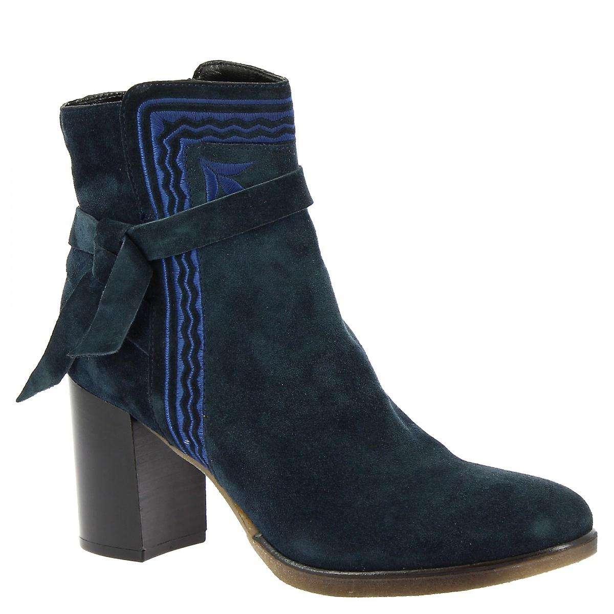 Leonardo Shoes Women's handmade heels ankle boots blue suede side zip and strap RABos