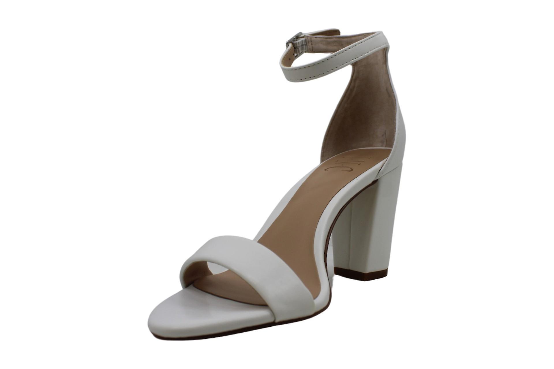 ØKES internasjonale konsepter kvinners Kivah åpen tå Casual ankelen stroppen sandaler