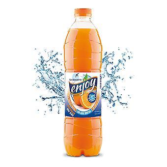 Osvěžující nápoj Vychutnávejte si pomeranč bez plynu (1